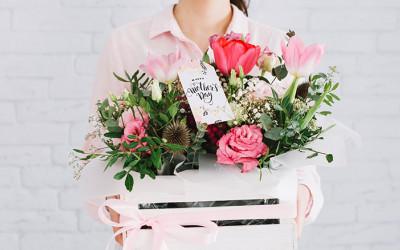 Как выбрать цветы ко дню матери?